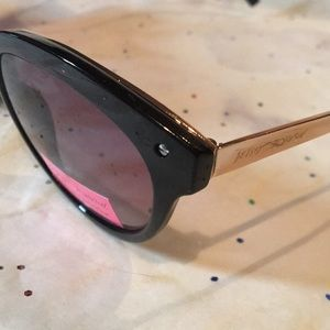 Betsey Johnson Accessories - BETSEY JOHNSON Clubhouse Sunglasses NWT